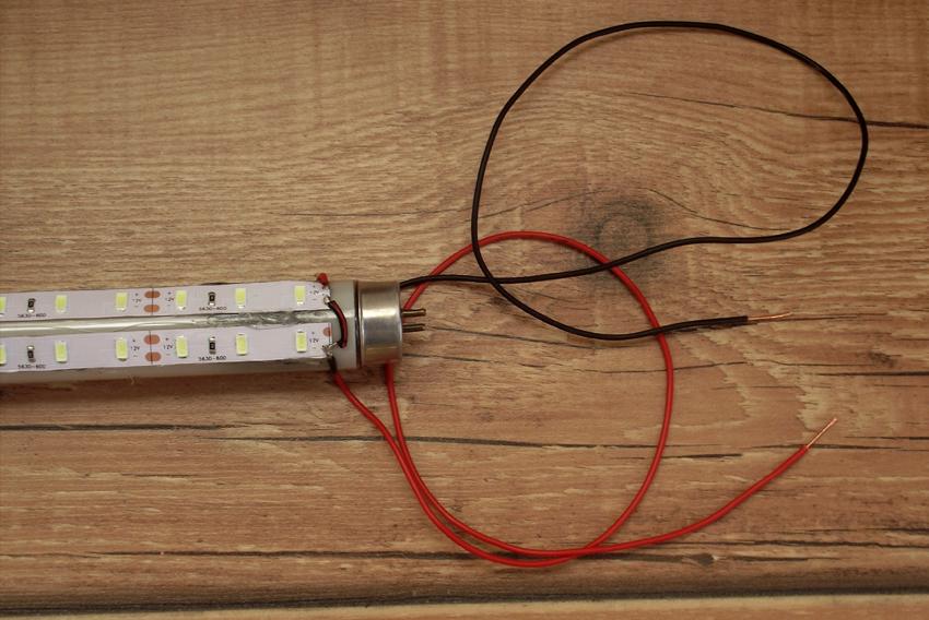 LED ленти със захранващ кабел